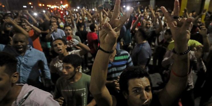 افشاگر معروف مصری بار دیگر مردم را به تظاهرات گسترده فراخواند