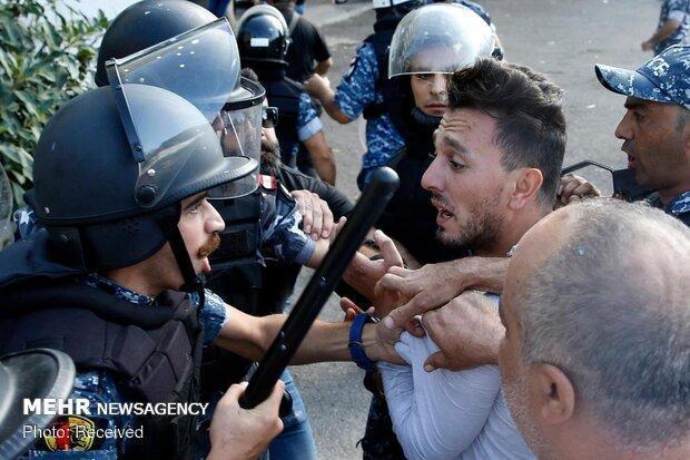بسته شدن اکثر راههای اصلی لبنان توسط معترضان این کشور