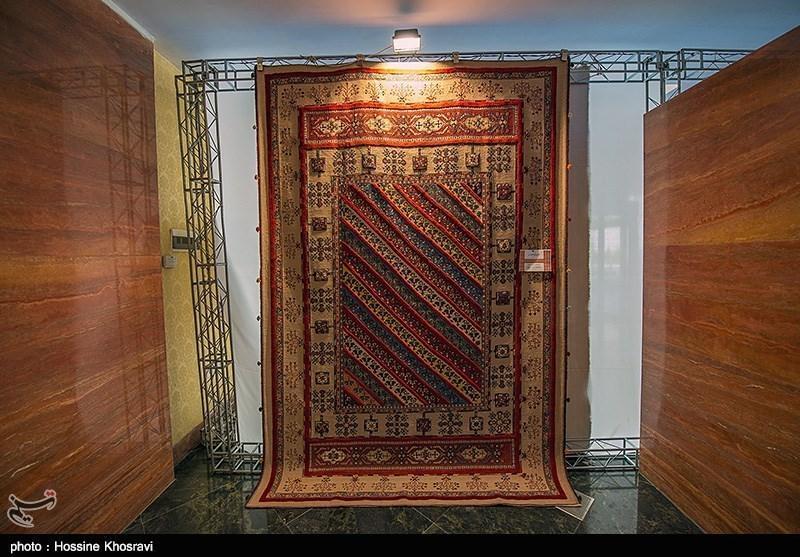 حضور بافندگان فرش استان بوشهر در نمایشگاه بین المللی فرش دستباف چین