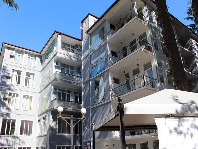 هتل هولوس باتومی و عکس و رزرو
