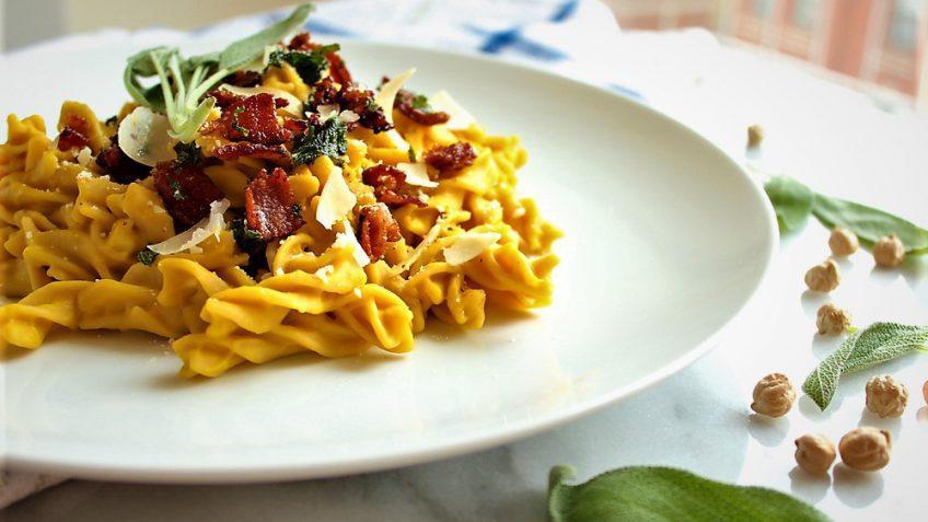 طرز تهیه یک نوع پاستا محبوب و پرطرفدار ایتالیایی