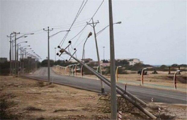 خسارت 3 میلیاردی طوفان به تأسیسات برق ملایر