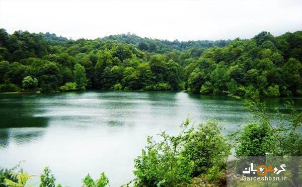دریاچه ای دو رنگ در یکی از سرسبزترین استان های کشور