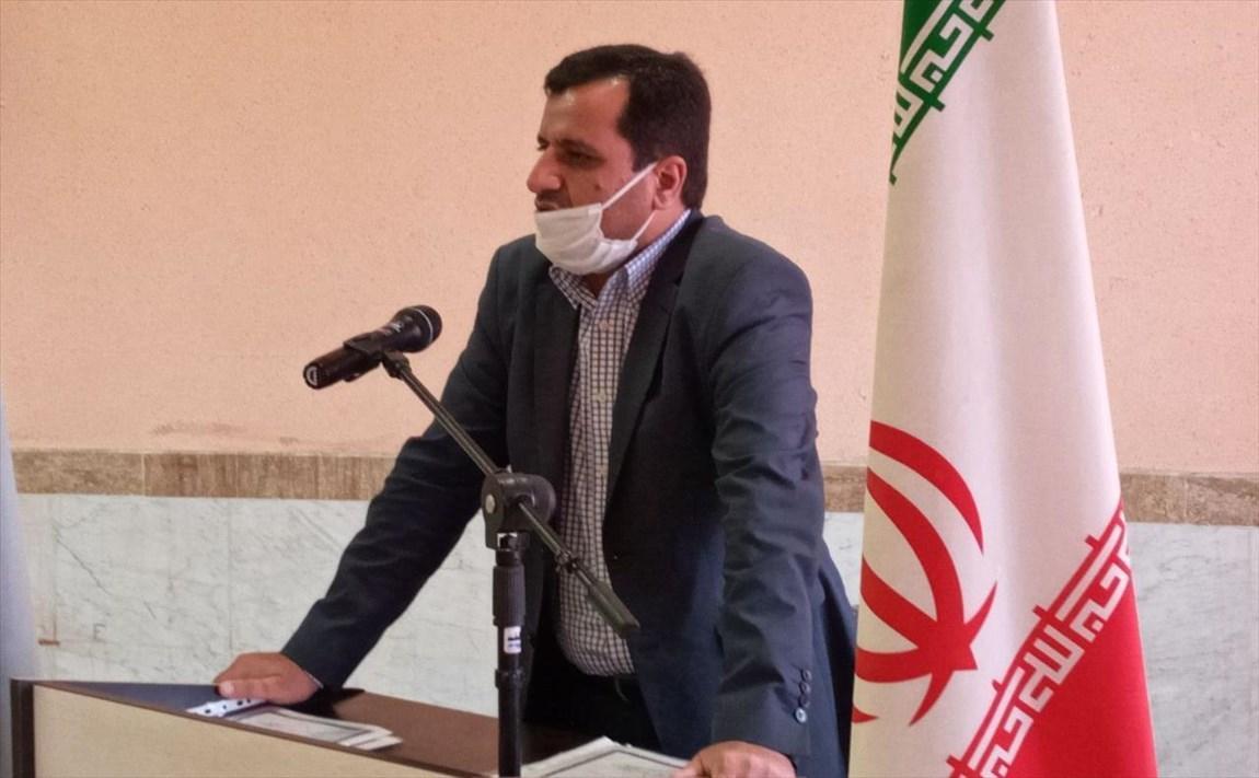 جایگاه علم و معلم در آموزه های دینی و فرهنگ ایرانی برجسته است