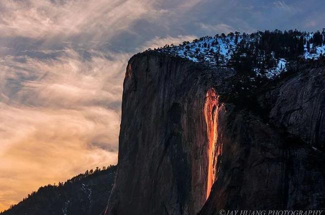 ویدئوی دیدنی از آبشار آتشین دم اسبی