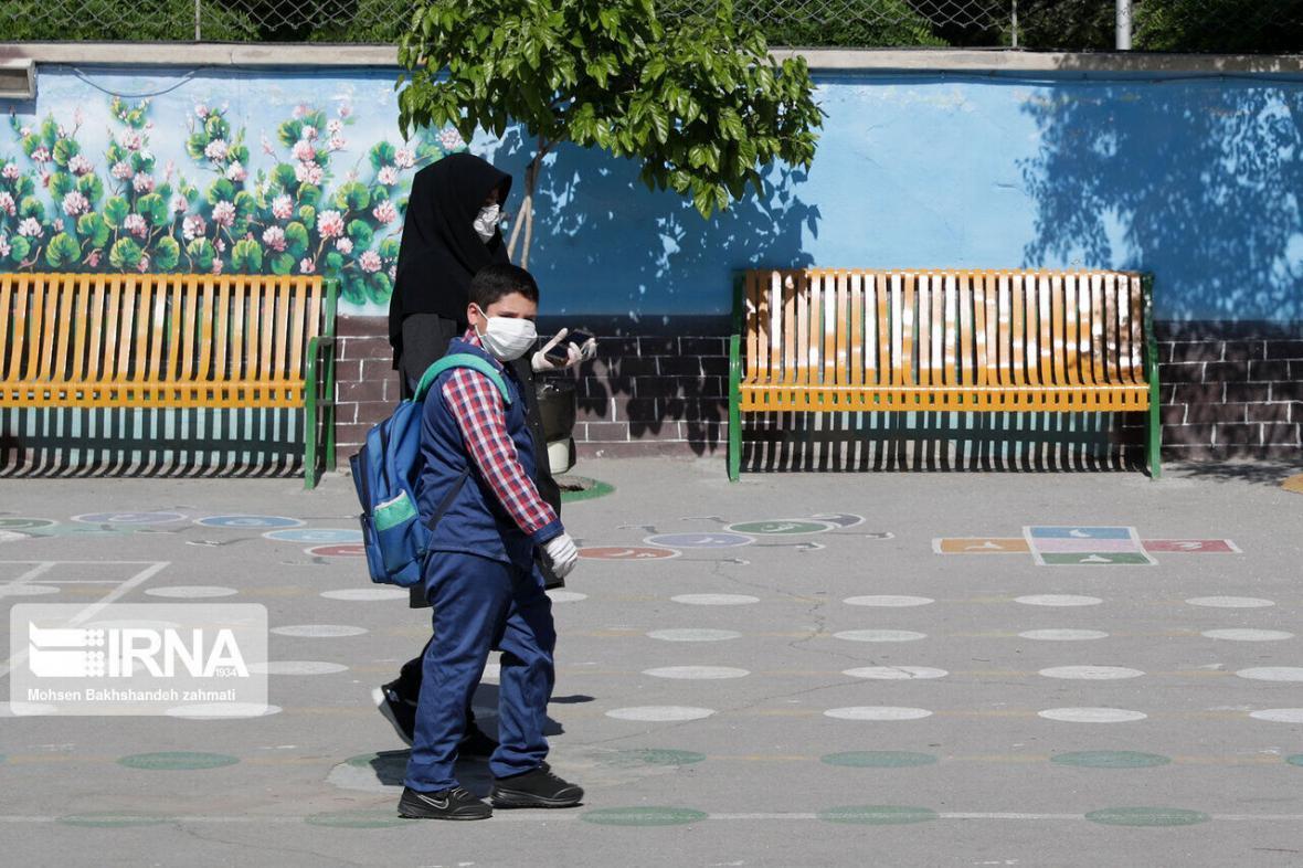 خبرنگاران استقبال سرد والدین مازندرانی برای ثبت نام دانش آموزان