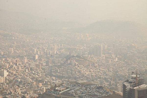توصیه محیط زیست تهران نسبت به خودداری بچه ها و سالمندان از فعالیت در فضای باز