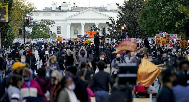 شادی و التهاب در خیابان های آمریکا،جشن حامیان بایدن و زخمی شدن دو حامی ترامپ