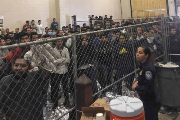 شکایت دادستان کل آمریکا از دولت بایدن از بابت فرمان توقف استرداد مهاجران