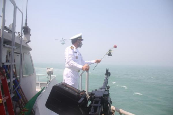 محل شهادت مسافران هواپیمای ایرباس 655 در خلیج فارس گلباران شد